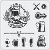 Grupo da cerveja Etiqueta, sinais, emblemas, símbolos e elementos do projeto Imagem de Stock Royalty Free