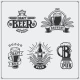Grupo da cerveja Etiquetas, emblemas, etiquetas e elementos do projeto Imagem de Stock