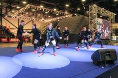 Grupo da dança de adolescentes na fase Imagens de Stock Royalty Free