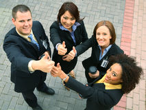 Grupo da diversidade que mostra o sinal aprovado Fotos de Stock
