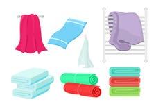 Grupo da ilustração do vetor de toalhas coloridas dos desenhos animados Coleção da toalha de pano para o banho, higiene ilustração stock