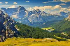 Grupo da montanha de Sorapis e lago Misurina, dolomites, Tirol sul, Itália Fotos de Stock
