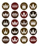 Grupo das coroas 3d reais brancas Símbolos clássicos majestosos, Imagens de Stock