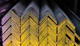 Grupo das tubulações de aço na cremalheira Imagem de Stock Royalty Free