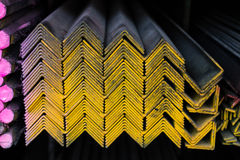 Grupo das tubulações de aço na cremalheira Imagens de Stock