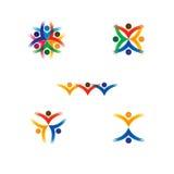 Grupo de ícones coloridos dos povos no círculo - vector a escola do conceito, Foto de Stock Royalty Free