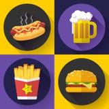 Grupo de ícones do menu e da cerveja do fast food Estilo liso do projeto Imagens de Stock