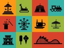 Grupo de ícones lisos do parque de diversões do projeto Fotografia de Stock