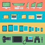 Grupo de ícones lisos do projeto dos dispositivos eletrónicos Imagens de Stock