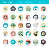 Grupo de ícones lisos do projeto para SEO e mercado do Internet