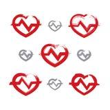 Grupo de ícones vermelhos desenhados à mão do coração, coleção do desenho de escova h Fotos de Stock