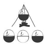 Grupo de acampamento do ícone da silhueta da fogueira Ilustração Royalty Free