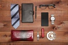 Grupo de acessórios clássicos do homem e da mulher Configuração lisa Imagem de Stock Royalty Free