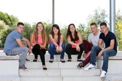 Grupo de adolescentes Imagen de archivo libre de regalías