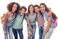 Grupo de adolescentes fotos de archivo
