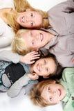 Grupo de adolescentes novos e bonitos imagem de stock royalty free