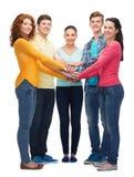 Grupo de adolescentes sonrientes Imagen de archivo