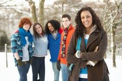 Grupo de amigos adolescentes que se divierten Fotos de archivo