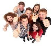 Grupo de amigos alegres felizes fotografia de stock