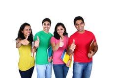 Grupo de amigos con el pulgar para arriba Fotos de archivo libres de regalías