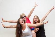 Grupo de amigos despreocupados jovenes Fotografía de archivo