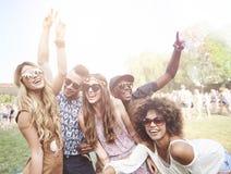Grupo de amigos no festival Fotografia de Stock
