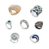 Grupo de anéis dourados com diamantes Foto de Stock