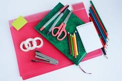 Grupo de artigos de papelaria da escola e do escritório Fotos de Stock Royalty Free