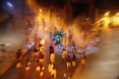 Grupo de atores, jogando na cena no teatro Efeito radial do borrão foto de stock royalty free