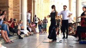Grupo de bailarines del flamenco almacen de video