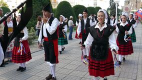 Grupo de bailarines de España en traje tradicional almacen de metraje de vídeo