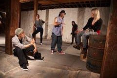 Grupo de bailarines frescos de Hip Hop Fotos de archivo libres de regalías