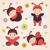 Grupo de bebês no joaninha do traje Bebês do joaninha Fotografia de Stock