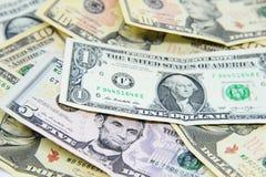 Grupo de billetes de banco americanos del dólar Fotos de archivo
