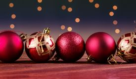 Grupo de bolas decorativas hermosas de la Navidad Imagen de archivo