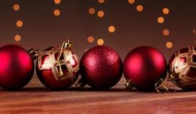 Grupo de bolas decorativas hermosas de la Navidad Foto de archivo libre de regalías