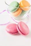 Grupo de bolinhos de amêndoa coloridos Fotografia de Stock