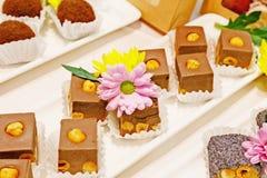 Grupo de bolos e de cookies Imagens de Stock