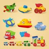 Grupo de brinquedos com avião, o submarino, caminhão, caminhão basculante, helicóptero, desenhista, trem, carro, navio, barco Imagem de Stock Royalty Free