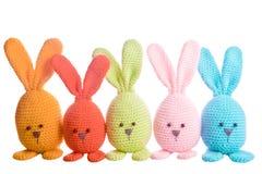 Grupo de bunnys feitos a mão do bicho de pelúcia fotografia de stock royalty free