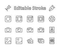 Grupo de câmeras e de foto, linha ícones do vetor Contém símbolos dos retratos e as fotos de família e o muito mais Movimento edi ilustração stock