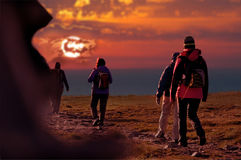 Grupo de caminhantes durante uma excursão Imagem de Stock