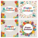 Grupo de cartão de aniversário com pássaros bonitos, flores e balões, presentes do gelado Foto de Stock Royalty Free