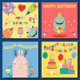 Grupo de cartões de aniversário com os monstro engraçados bonitos ilustração royalty free