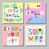 Grupo de cartões brilhante do estilo de memphis do verão Projeto com alimento geométrico dos elementos Imagem de Stock Royalty Free