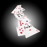 Grupo de cartões de jogo para o pôquer e o casino no fundo preto branco Foto de Stock