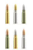 Grupo de cartuchos diferentes da munição do rifle Foto de Stock