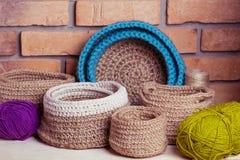 Grupo de cestas feitas malha Fotografia de Stock