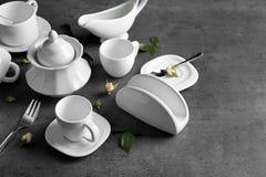 Grupo de chá branco da porcelana fotografia de stock royalty free