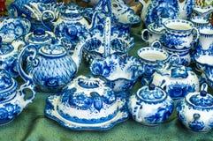 Grupo de chá da porcelana, cerâmico Pinturas azuis pintadas, povos AR do russo imagem de stock